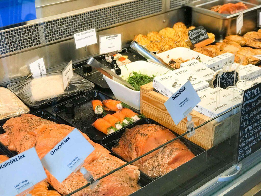 rybna wystawa sklepowa